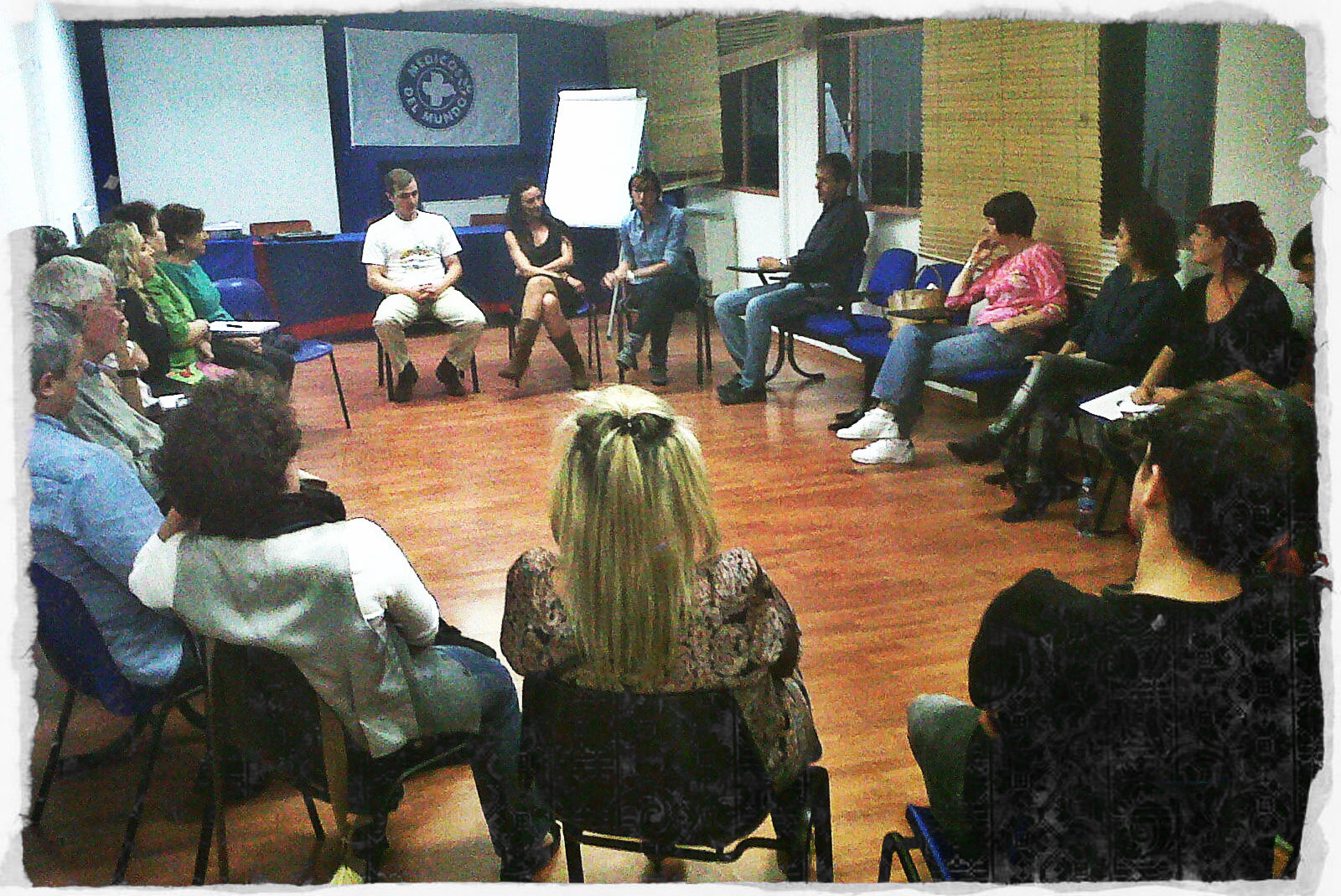 Reunión en c/ Juan Montalvo