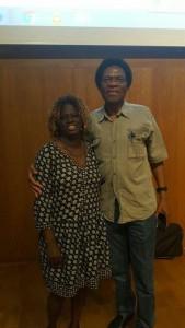 Mbuyi Kabunda junto a nuestra técnica Fátima Djarra