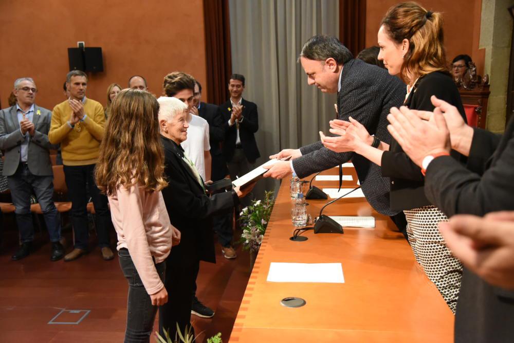 Conchita Fortuny, madre de Flors recoge la Medalla